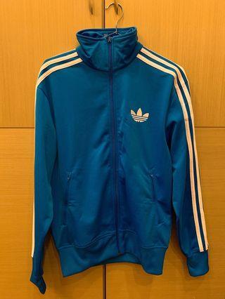 Adidas正品S號9成新-已送洗留有送洗標-東京購入