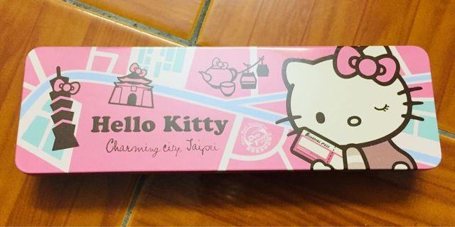 Hello Kitty 🐱 steel box