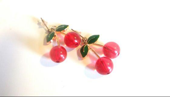 可愛風櫻桃耳針式耳環
