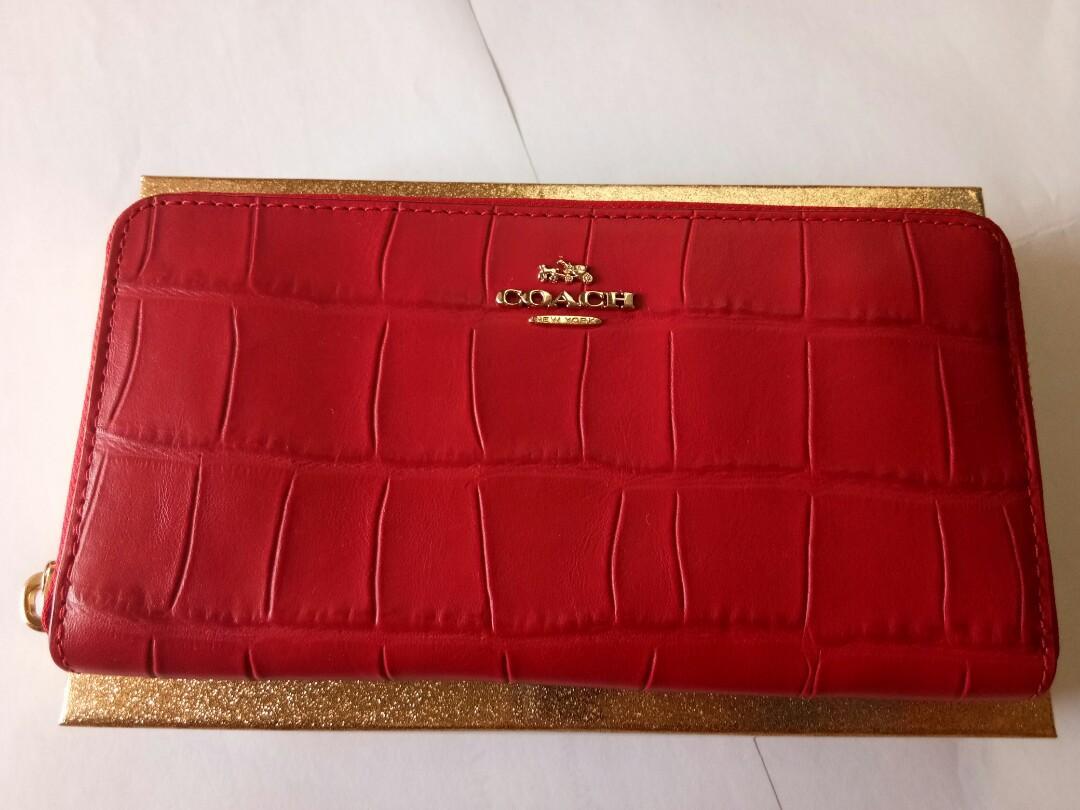 100% Original Coach Accordion Zip Wallet in Croc Embossed Leather