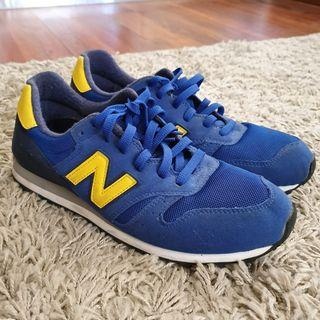 Sepatu Sneakers New Balance 313 Blue Yellow size EUR 44 NO NEGO