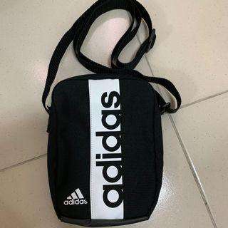 Adidas 側背包
