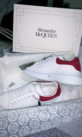 Alexander McQueen 桃紅小白鞋