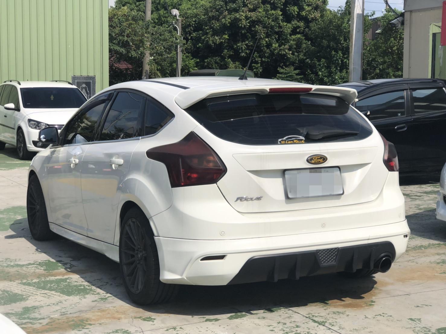 2014年 Focus 2.0 白 跑九萬 熱門車中古車二手車