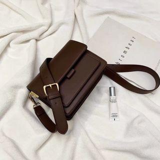 Lilas sling bag