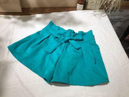 Tiffany綠/顯瘦蝴蝶結鬆緊腰寬褲口短褲