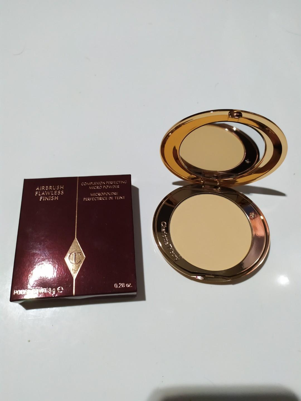 Charlotte Tilbury airbrush flawless finish complexion perfecting micro powder shade medium (2)