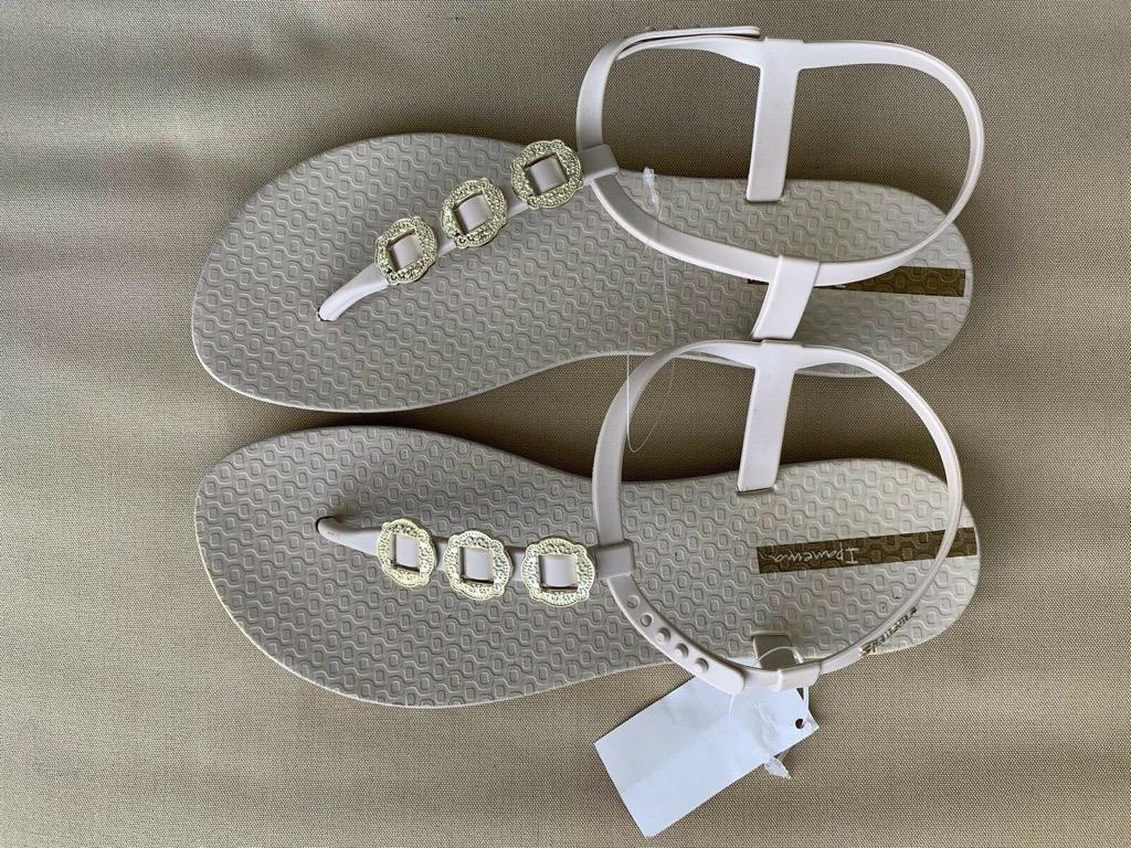NEW W TAGS IPANEMA Beige Gold Slingback Flat Sandals Sz US 9 AU 8/9 RRP $45