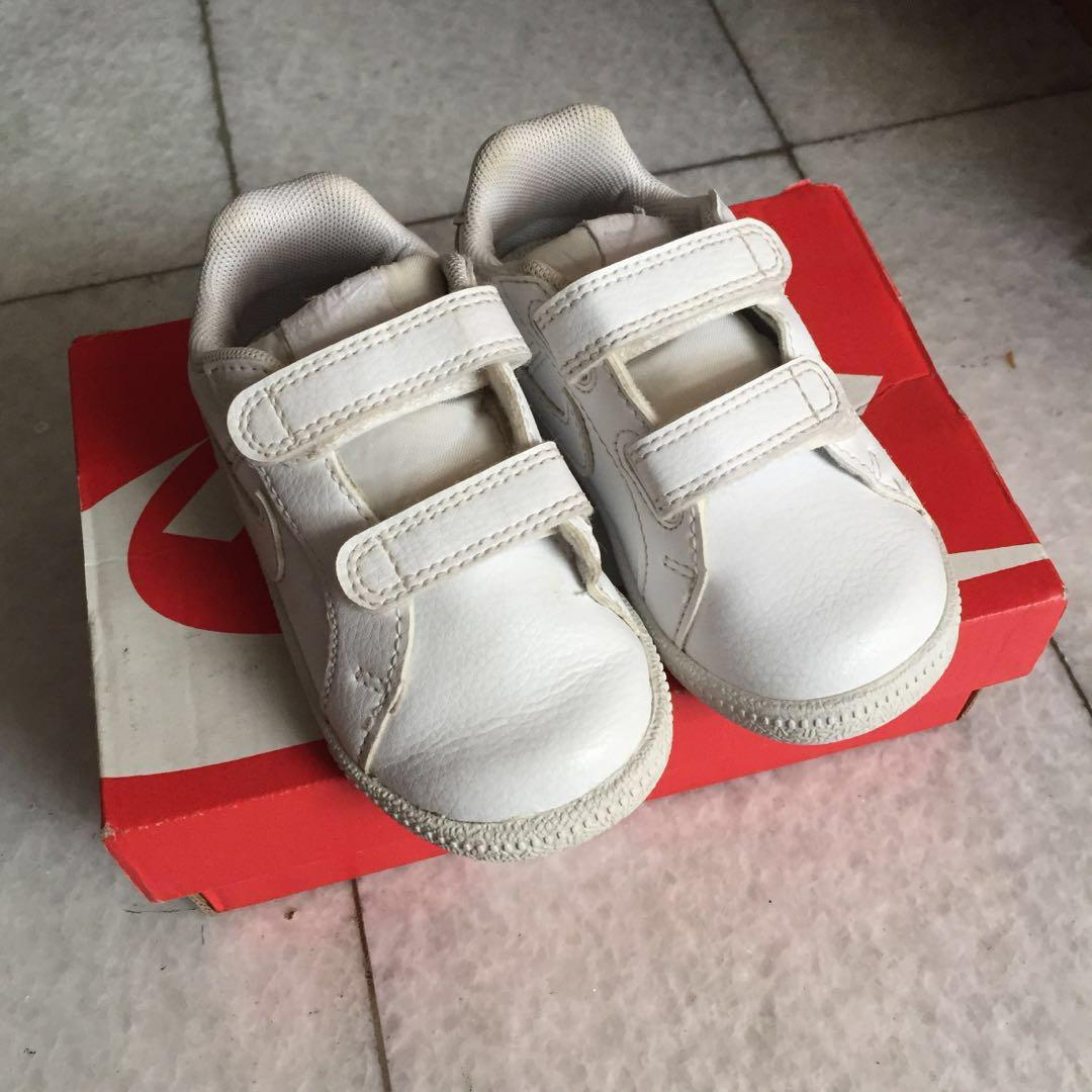Nike court royale all white size 6c eur 22 12cm