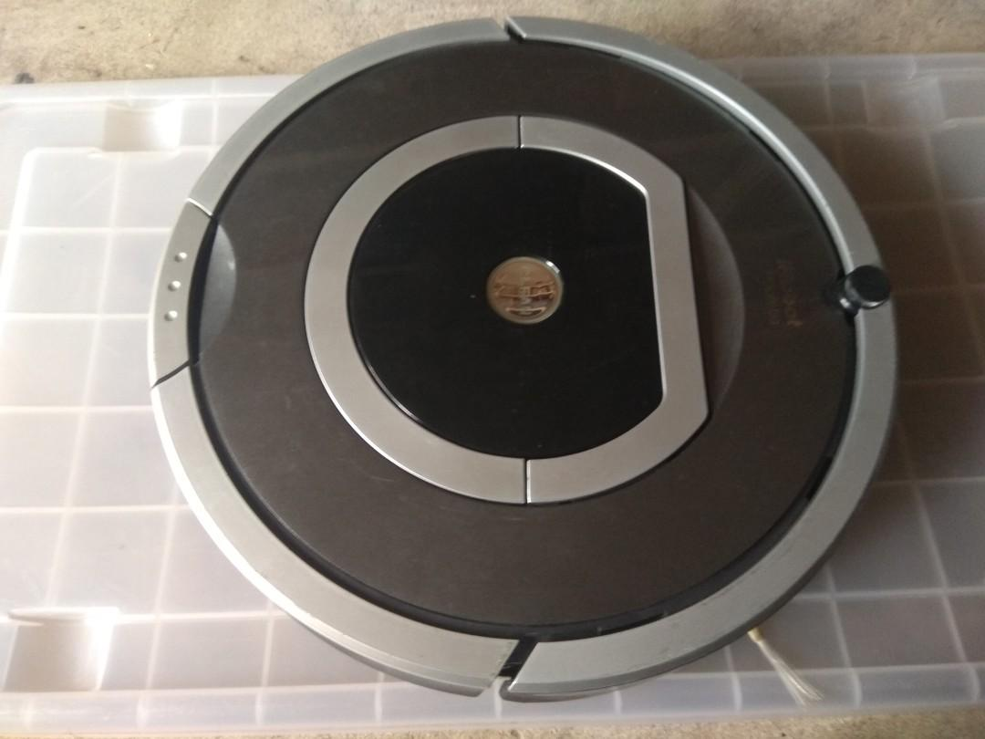 [ Reserved ] Roomba 780 with new OEM battery