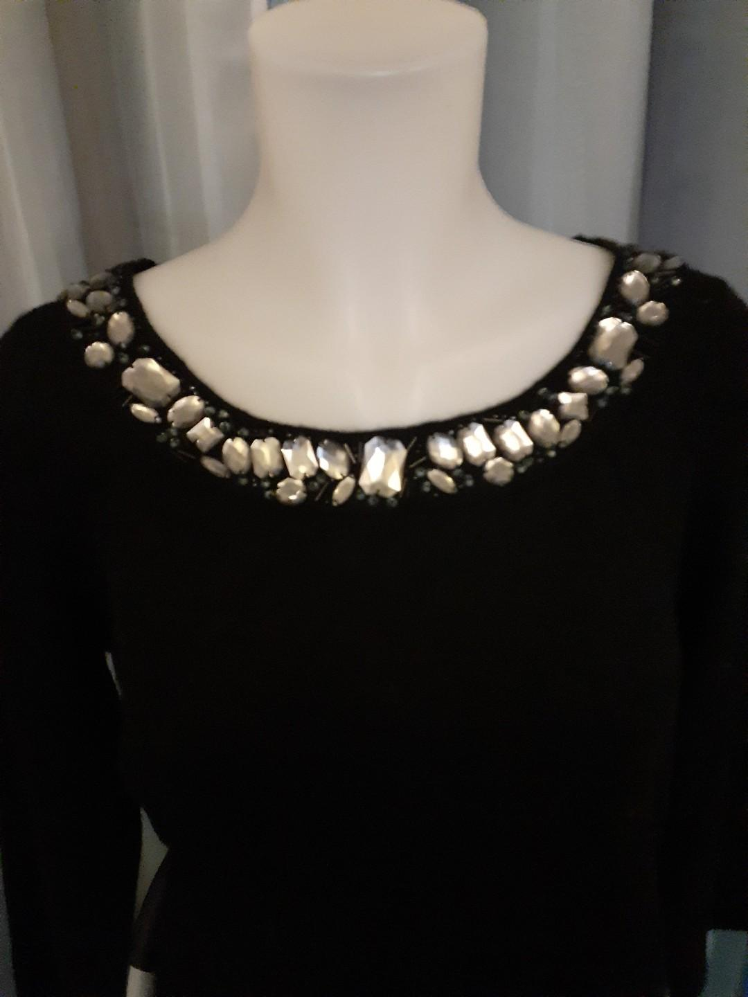 015 Black Jewelled Top L New