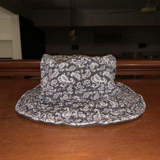 Ruben Paisley Bucket Hat