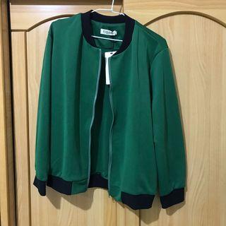 全新綠色外套