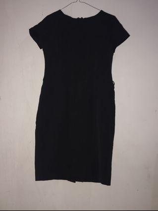 Midi dress hitam kerja