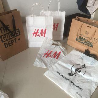 Paer bag h&m stradivarius the body shop the goods dept