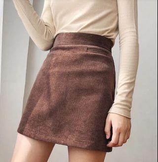 近全新!可實拍L碼燈芯絨A字裙短裙褲裙自帶安全褲 咖啡色 咖色