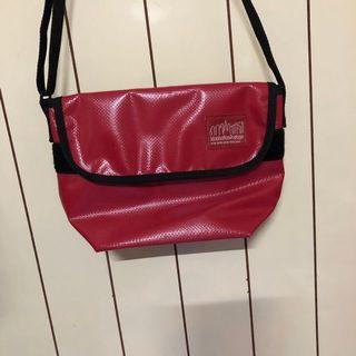 曼哈頓紅色包包
