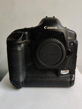 Canon EOS 1D Mark II N body only
