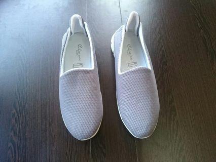 Sepatu Slip On Wanita Mesh Abu Abu
