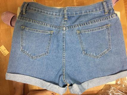 單寧摺邊短褲