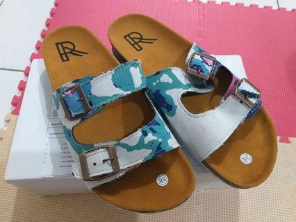 Sandal Batu Biru