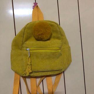 黃色毛球絨毛包包