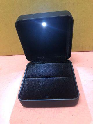 戒指盒(打開有燈)