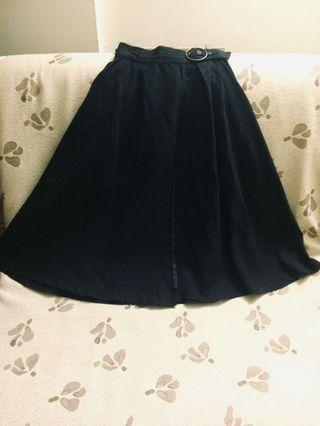 日本品牌傘狀A字裙/深夜黑一片裙