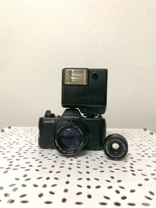 Pentax auto 110 vintage camera with extra wide angle lens (shutter/flash still works)