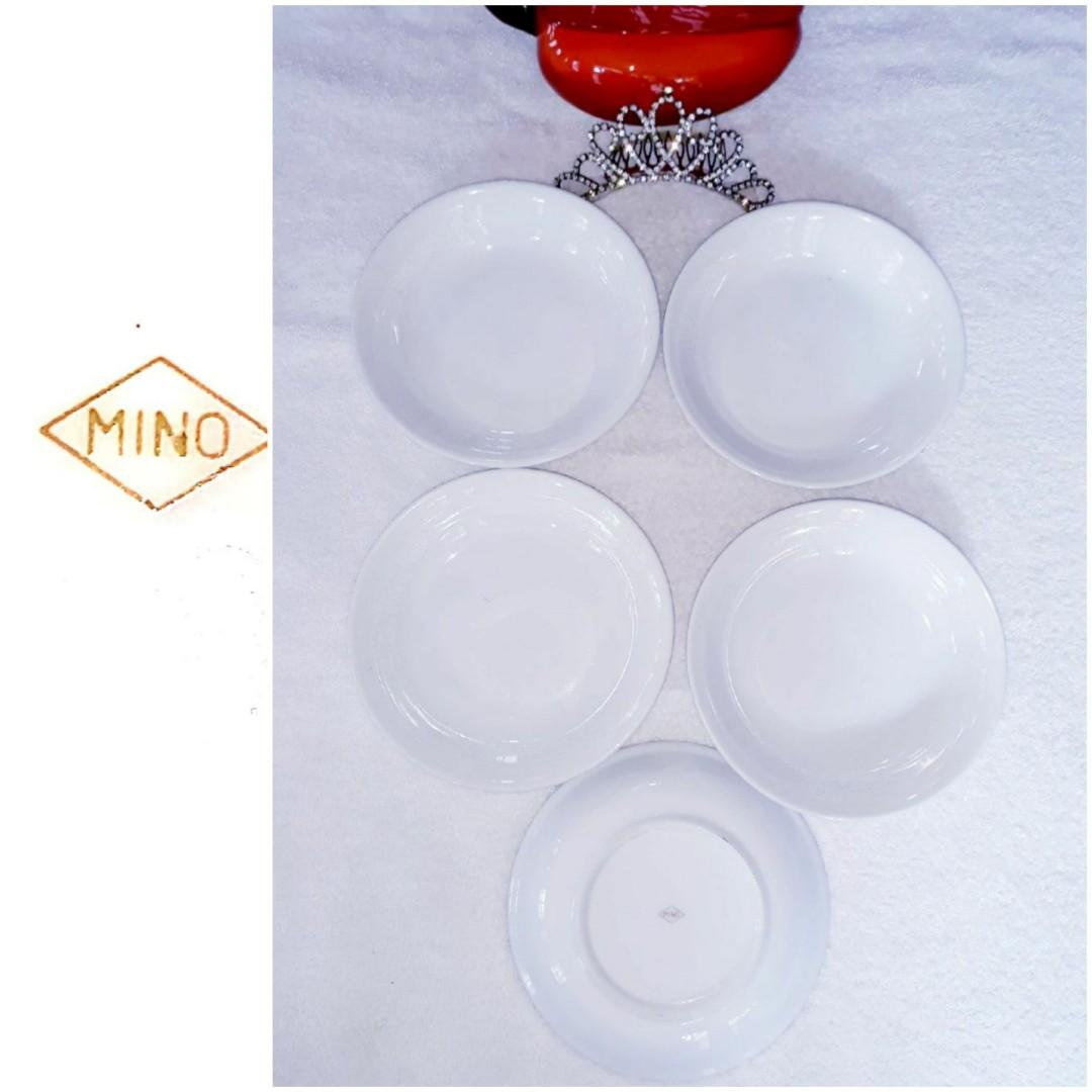 5pcs All White Mino Mini❤Plates with handpainted Design