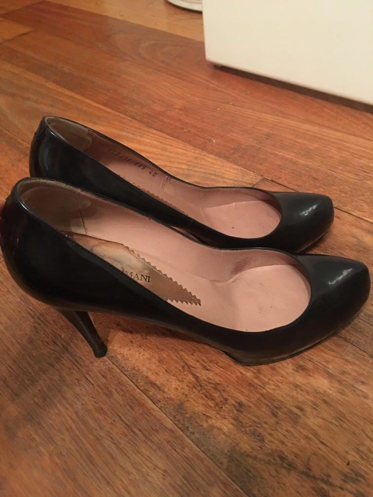 Designer Authentic Armani black stilleto pumps heels size 40