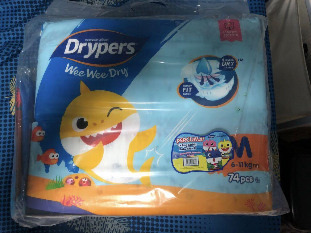 Drypers M Twinpack with Free Bag