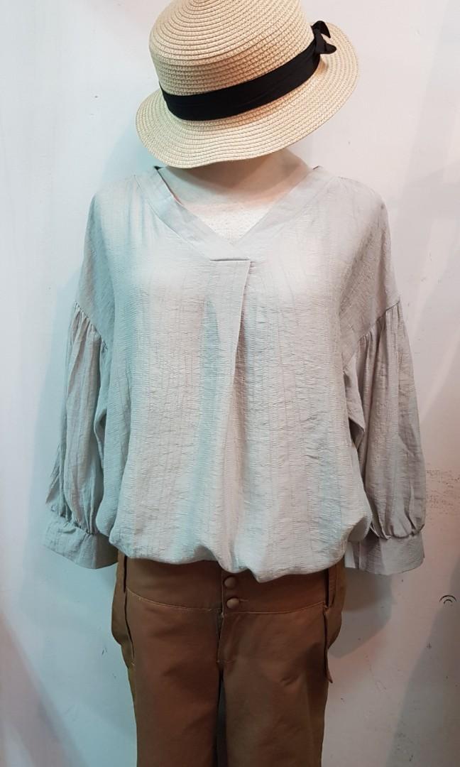 韓版V領七分袖上衣 淺綠色(S~L號都可穿)