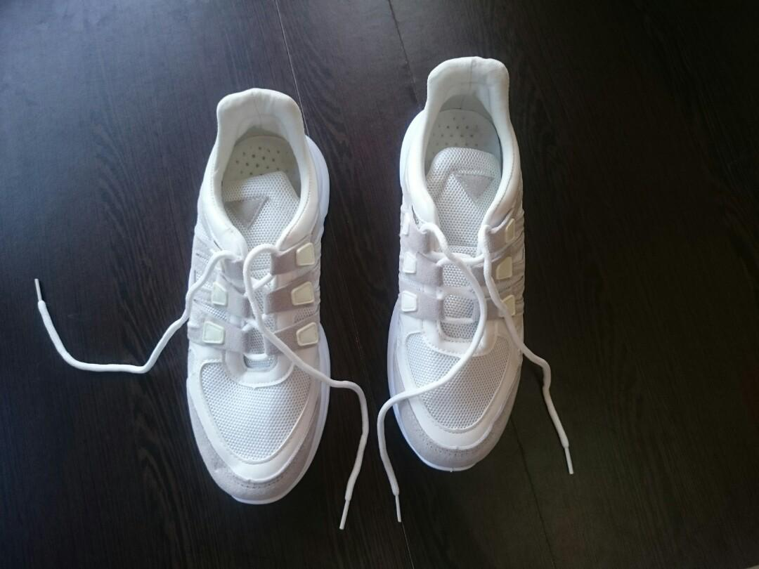 Women Fashion Lace Up Breathable Mesh Sneakers