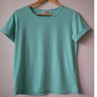 湖水綠反摺袖子T恤
