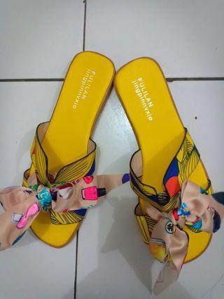 Sendal hermes yellow