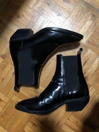 L'intervalle Patent boots