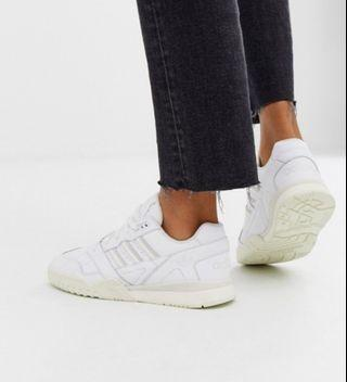 Adidas Original A R trainers WHITE