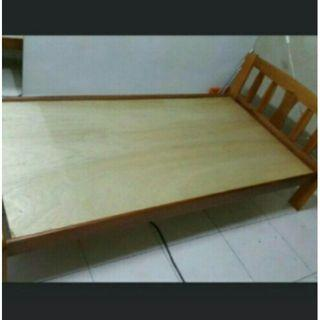 Single wood bed frame ( free delivery )