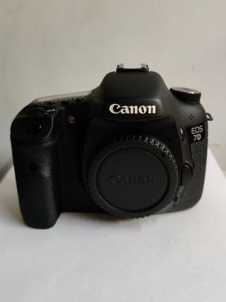 Mint Condition Canon 7D Body