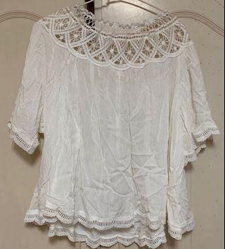 一字領蕾絲白上衣 只穿兩次
