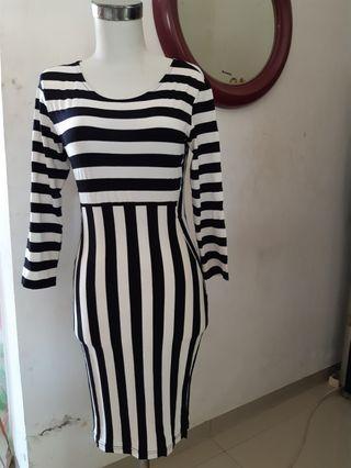 Bodycon midi dress stripes