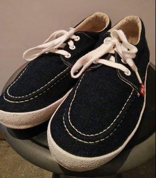 FILA丹寧牛仔布版鞋(89成新)