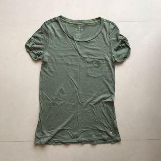 American Eagle Outfitters green T-shirt