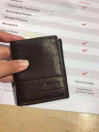 NEW Fossil men wallet FREE thin can