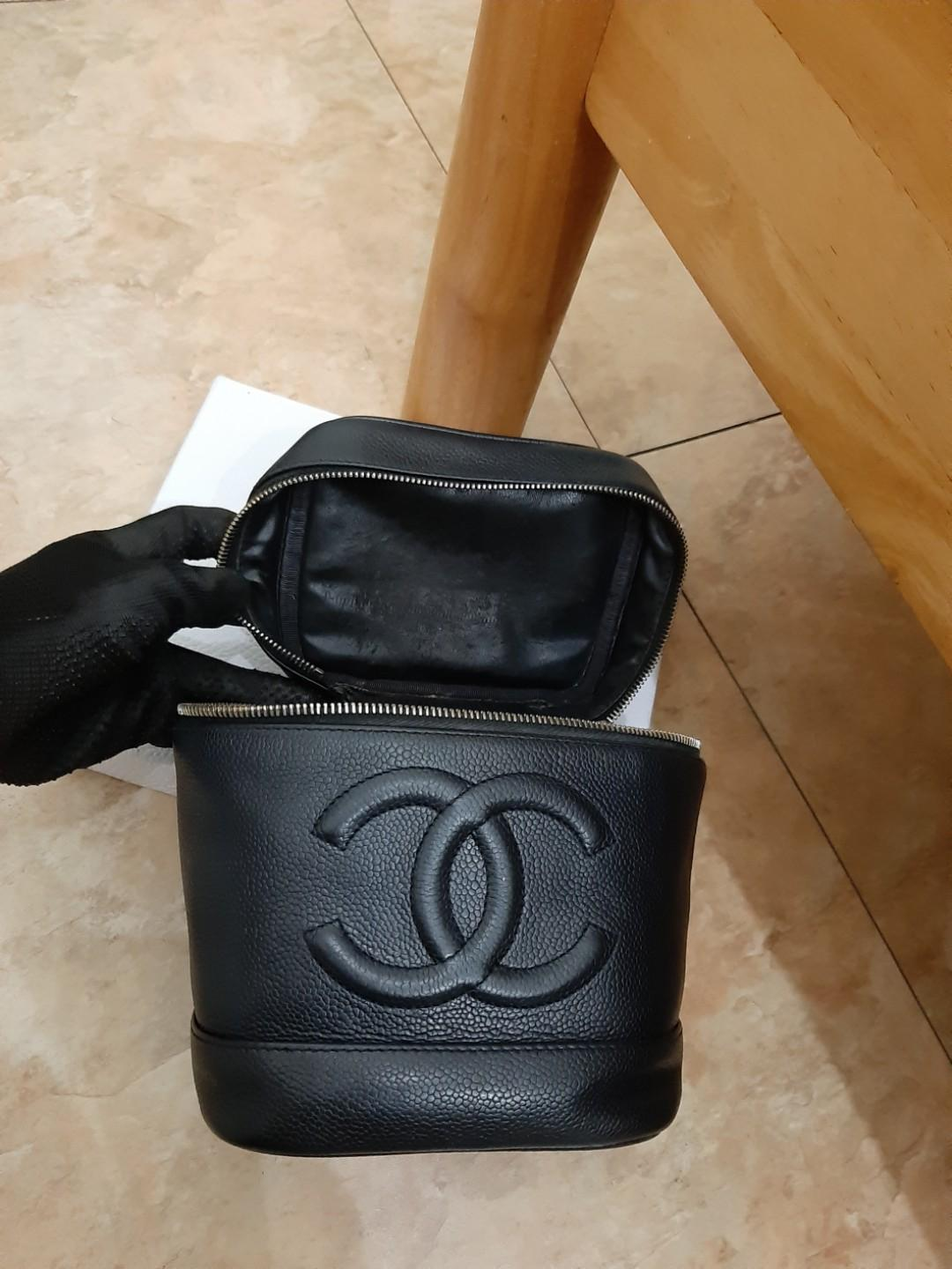 AUTHENTIC CHANEL TALL BLACK CAVIAR LEATHER VANITY BAG - GOLD HARDWARE - BIG CC LOGO DESIGN - SOLID SHAPE - EXTERIOR CAVIAR LEATHER STILL  GOOD, INTERIOR CAN BE CLEANED AT BAGSPA - KEYRING ZIP PULL- COMES WITH EXTRA LONG CHAIN STRAP FOR CROSSBODY SLING -