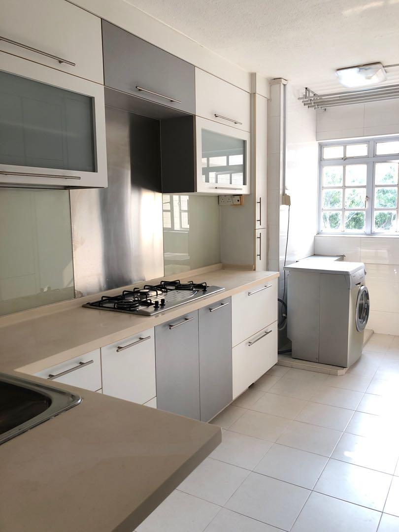 HDB EM for Sale : High Floor Facing Greenery and Unlocked View