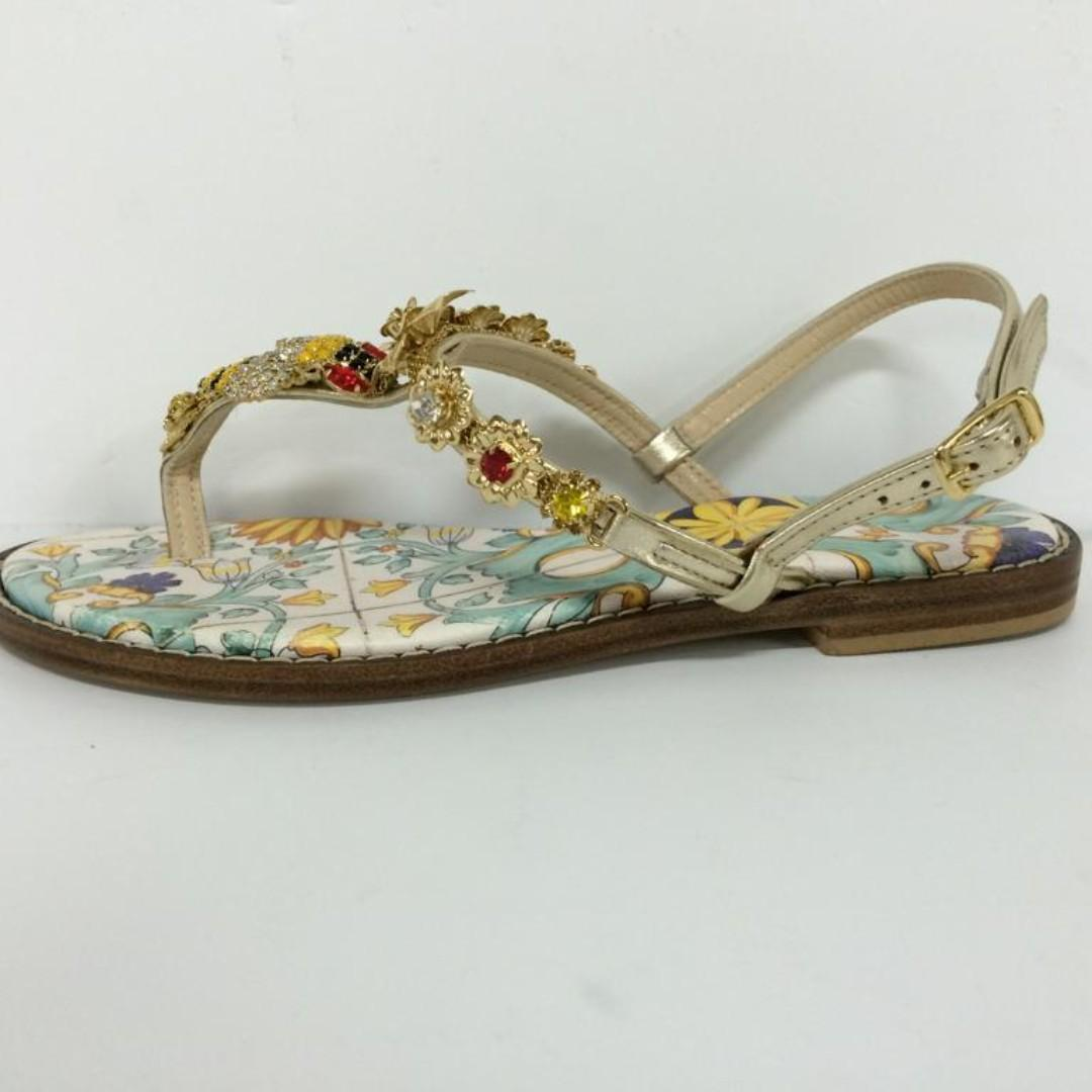 ITALIAN FASHION LEATHER SANDALS WITH BOX.  SIZE : 36, 41.    MADE IN ITALY.