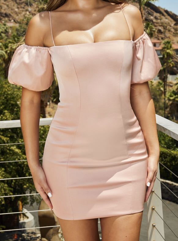 Oh Polly NEVER BEEN WORN- French Kiss Puff Sleeve Mini Dress in Dusky Pink