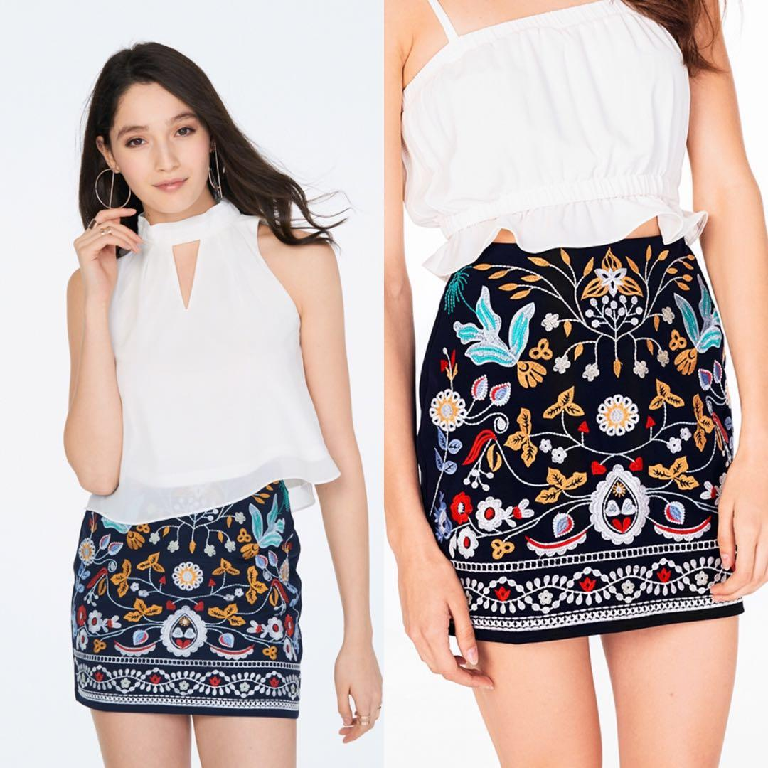 The Closet Lover Elyn Embroidered Skirt Navy